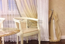 Итальянский бархат и итальянские стулья созданы друг для друга.