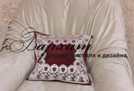 Накидка на кресло с декоративной подушкой