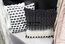 Жемчужные бусины в декоративных подушках