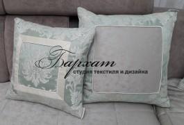 Разнофактурные подушки в зал
