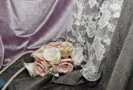 Эксклюзивный цветочный подхват прекрасно подходит и к тяжелым портьерным тканям и к легкому кружевному тюлю
