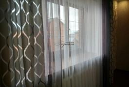 Шторы в спальню. Черничный сатен из наличия. Вышивка, жемчуг и подвесные нити-кисти.